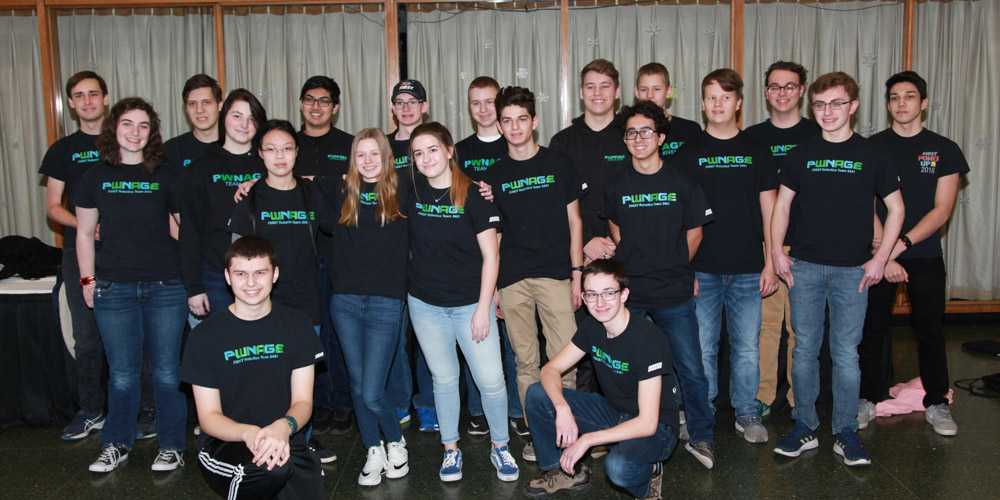 Picture of FIRST Robotics Students at Illinois Tech